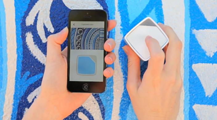 swatchcube-color-matcher-designboom03